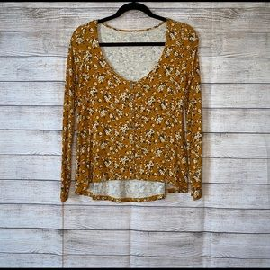 American Eagle Long Sleeve Slightly Cropped Top